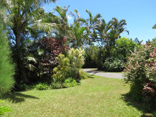 Maui Cottage Lawn Garden Views - Hookipa Bayview
